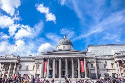 A photo of the main entrance to the National Gallery to represent the topic of the article - How To Enjoy Dating With Disabilities